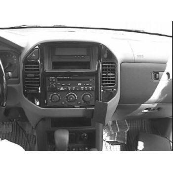 Brodit ProClip montážní konzole pro Mitsubishi Pajero 00-06, Shogun 00-06, na střed